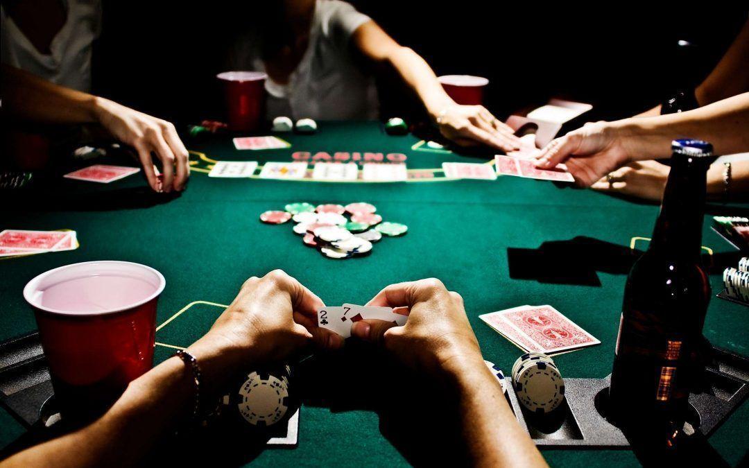 Aprende a jugar al póker en ocho sencillos pasos
